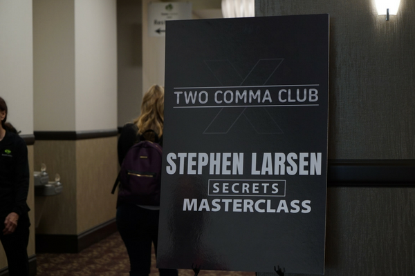 Two Comma Club Stephen Larsen Secrets Masterclass